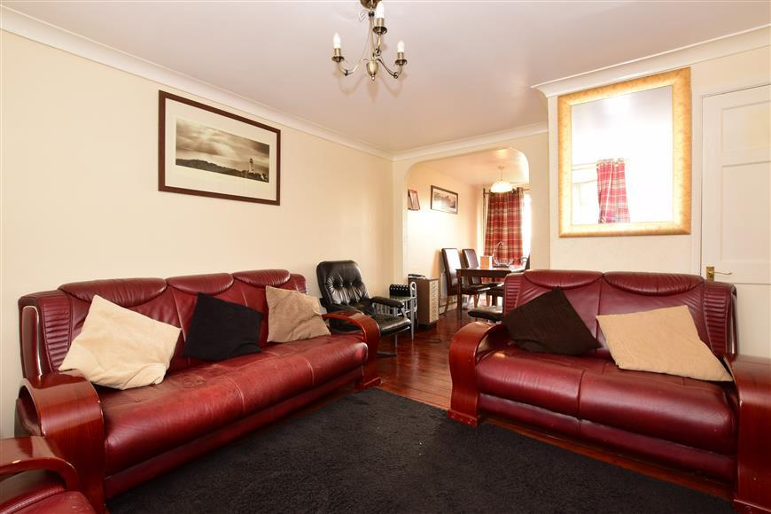 3 Bedrooms End Of Terrace House for sale in Leycroft Gardens, Erith, Kent
