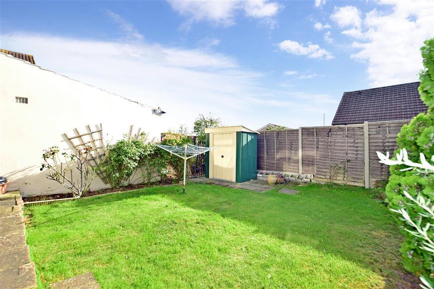 3 Bedrooms Semi Detached House for sale in Barnfield Road, Belvedere, Kent