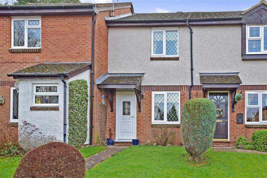 2 Bedrooms Terraced House for sale in Gorham Drive, Downswood, Maidstone, Kent