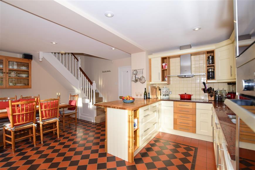 3 Bedrooms Unique Property for sale in Honey Lane, Otham, Maidstone, Kent