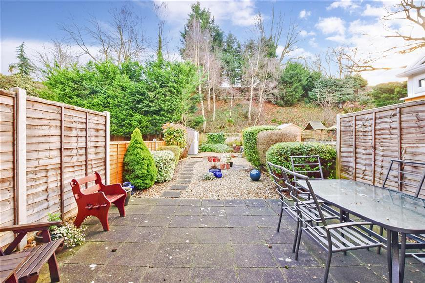 3 Bedrooms Terraced House for sale in Chapman Avenue, Maidstone, Kent