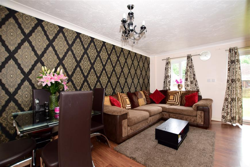 3 Bedrooms End Of Terrace House for sale in Gascoyne Close, Bearsted, Maidstone, Kent