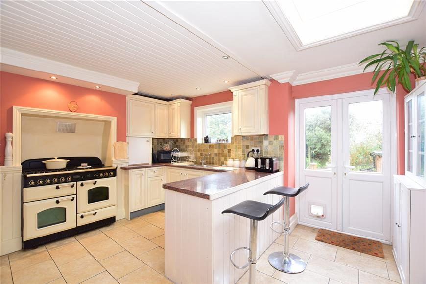 3 Bedrooms Detached House for sale in Northdown Road, Broadstairs, Kent