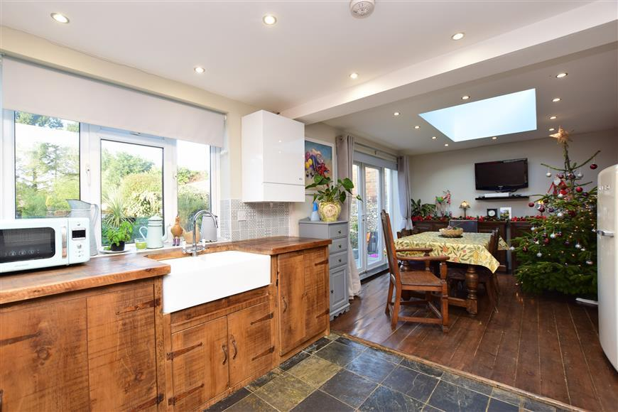 3 Bedrooms Semi Detached House for sale in Stone Street, Petham, Canterbury, Kent