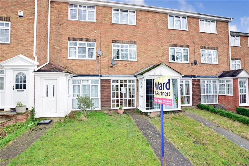 3 Bedrooms Town House for sale in Beacon Road, Chatham, Kent