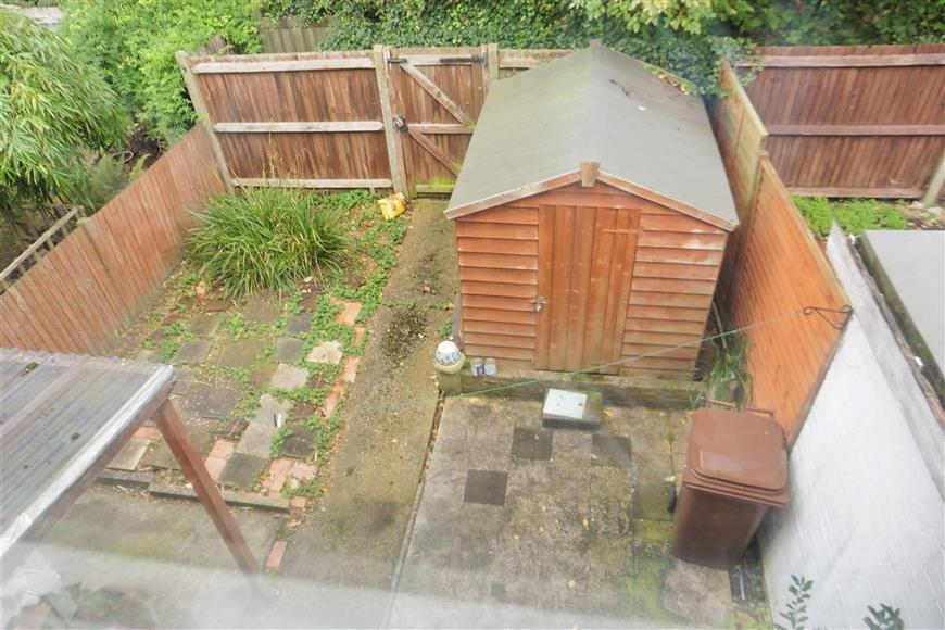 3 Bedrooms Terraced House for sale in St. Michaels Close, Chatham, Kent
