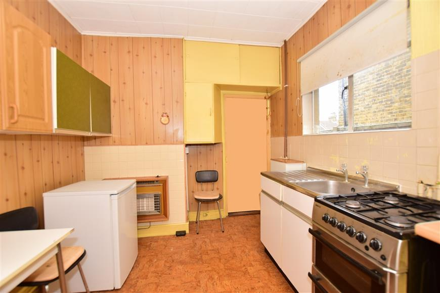 3 Bedrooms Terraced House for sale in Pagitt Street, Chatham, Kent