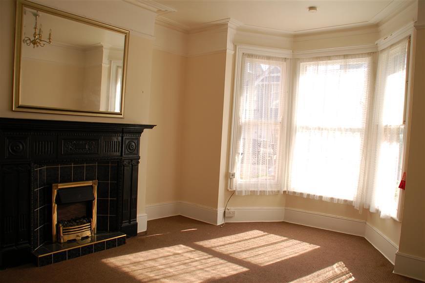 2 Bedrooms Ground Flat for sale in Windsor Avenue, Margate, Kent