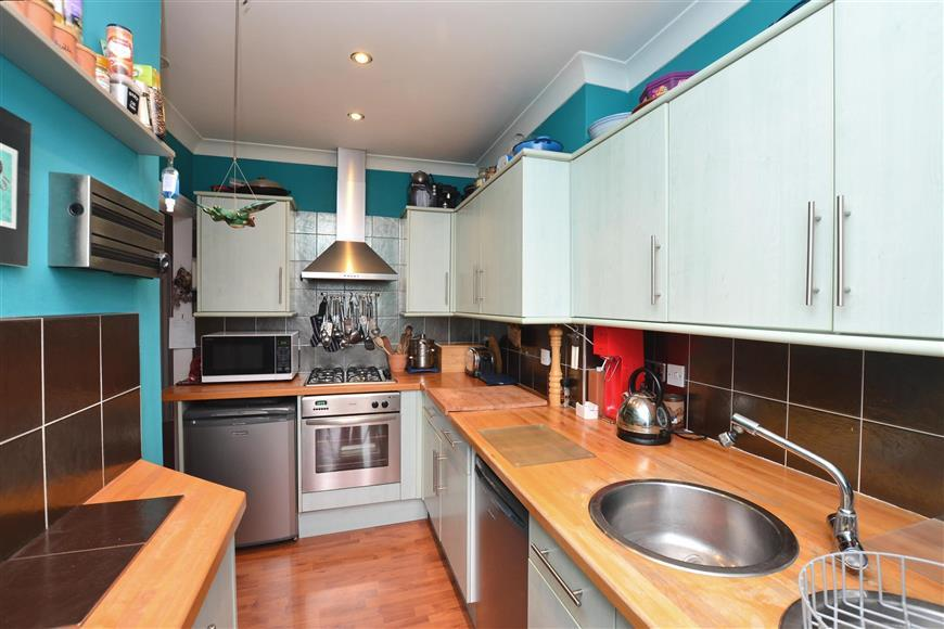 2 Bedrooms Apartment Flat for sale in Windsor Avenue, Margate, Kent