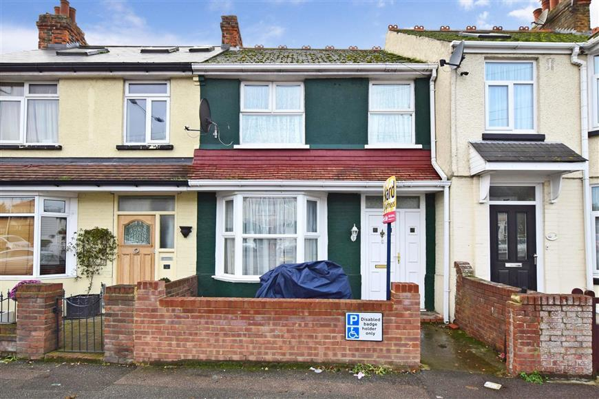 3 Bedrooms Terraced House for sale in Nash Court Road, Margate, Kent
