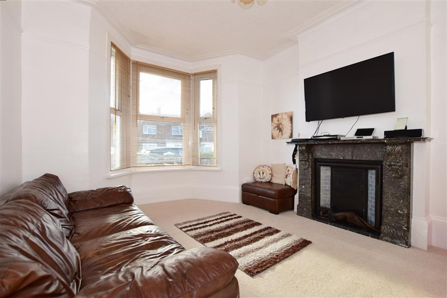4 Bedrooms Detached House for sale in Addiscombe Road, Margate, Kent