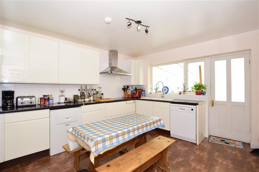 6 Bedrooms Detached House for sale in Norfolk Road, Cliftonville, Margate, Kent