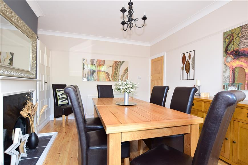 4 Bedrooms Semi Detached House for sale in Tivoli Park Avenue, Margate, Kent