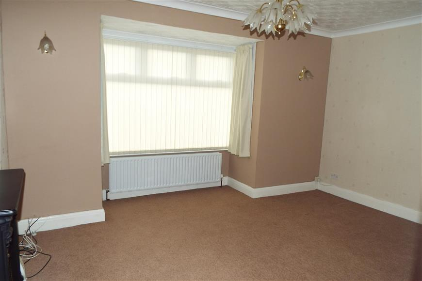 2 Bedrooms Bungalow for sale in London Road, Greenhithe, Kent