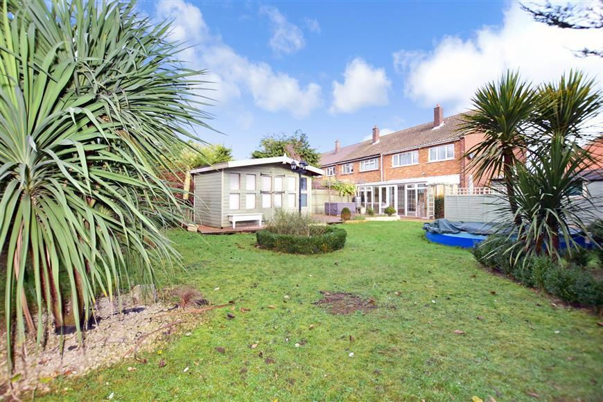 3 Bedrooms End Of Terrace House for sale in Tennyson Road, Dartford, Kent