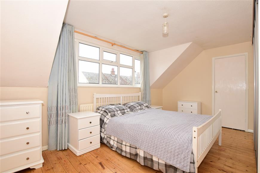 3 Bedrooms Semi Detached House for sale in Western Road, Deal, Kent