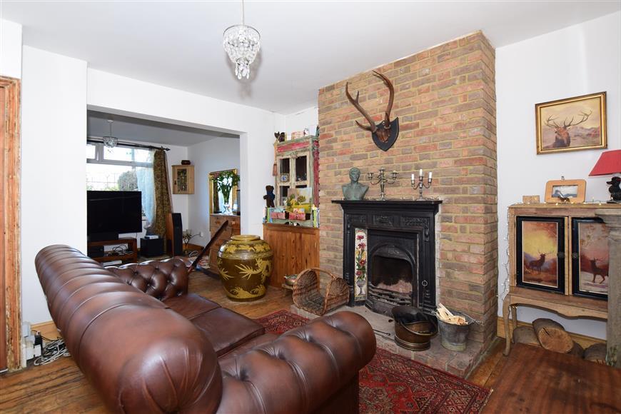 3 Bedrooms Detached House for sale in St. Richards Road, Deal, Kent