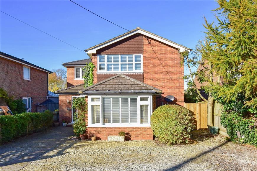 3 Bedrooms Detached House for sale in Mongeham Road, Great Mongeham, Deal, Kent