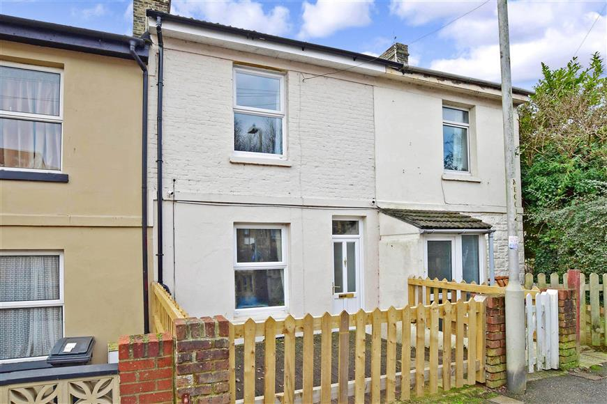 3 Bedrooms Terraced House for sale in Mayfield Avenue, Dover, Kent