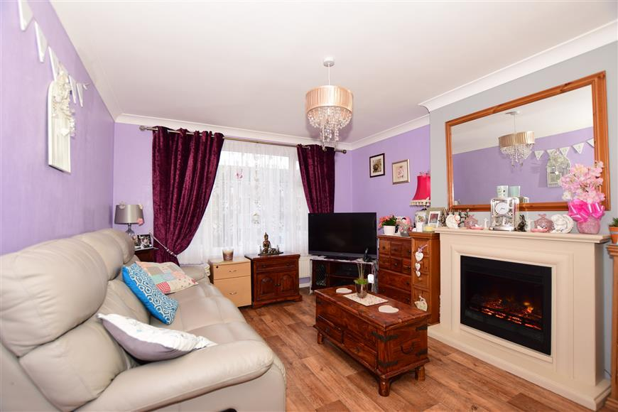 3 Bedrooms Terraced House for sale in Colton Crescent, Dover, Kent
