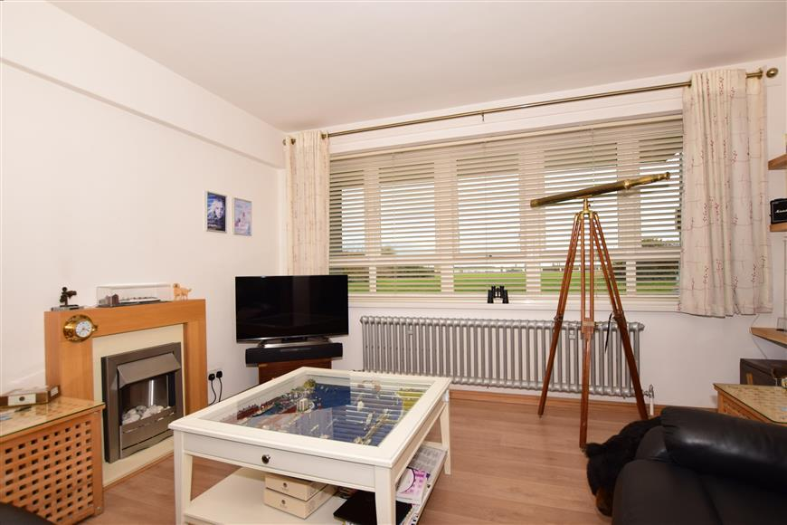 1 Bedroom Flat for sale in The Gateway, Dover, Kent