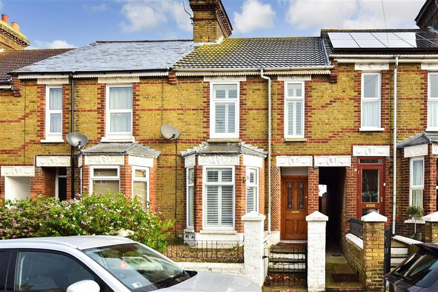 3 Bedrooms Terraced House for sale in Whitstable Road, Faversham, Kent