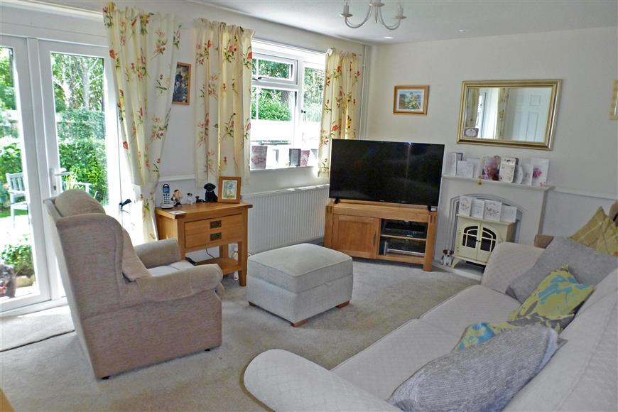 3 Bedrooms End Of Terrace House for sale in Windermere, Faversham, Kent