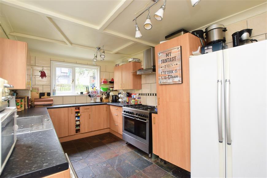 6 Bedrooms Terraced House for sale in Bradstone Avenue, Folkestone, Kent