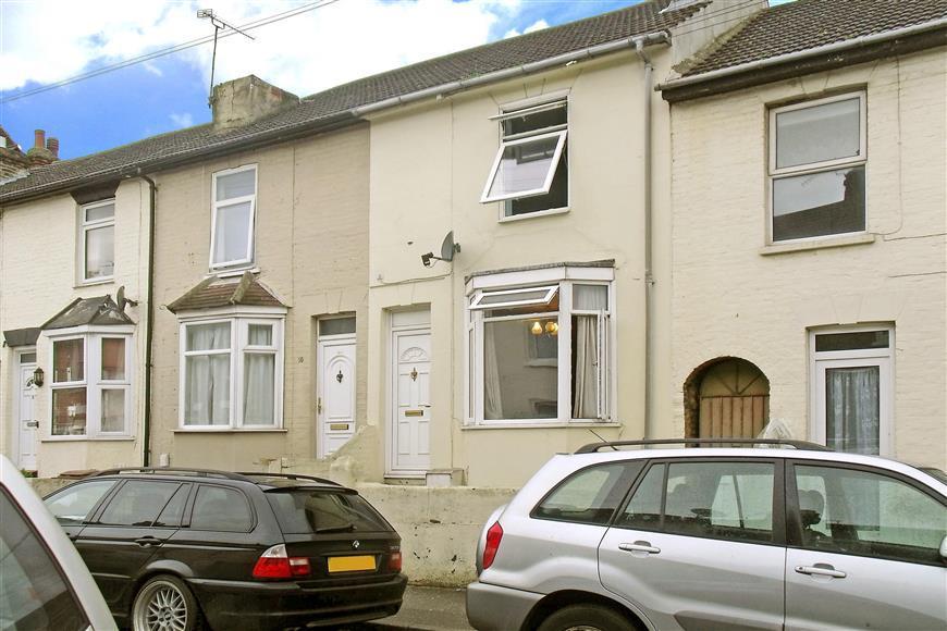 3 Bedrooms Terraced House for sale in East Street, Gillingham, Kent