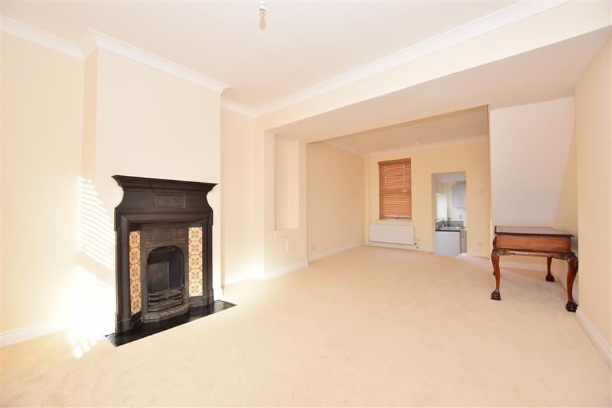 3 Bedrooms Terraced House for sale in Gillingham Green, Gillingham, Kent