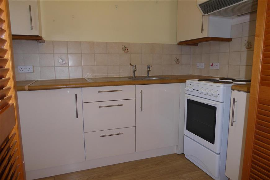 2 Bedrooms Flat for sale in West Street, Gravesend, Kent
