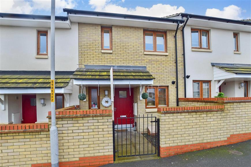 2 Bedrooms Terraced House for sale in Rosewood Mews, Gravesend, Kent