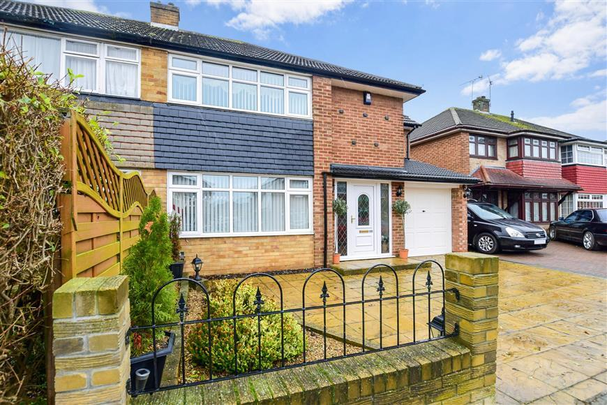 4 Bedrooms Semi Detached House for sale in Sirdar Strand, Gravesend, Kent