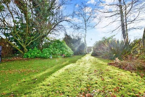 3 bedroom bungalow for sale - Warmlake Road, Chart Sutton, Maidstone, Kent