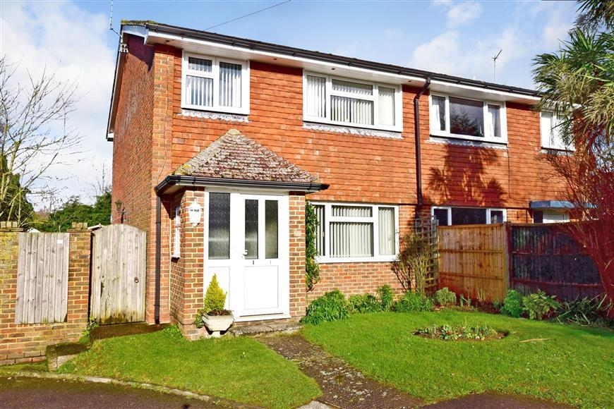 3 Bedrooms Semi Detached House for sale in Lodge Gardens, Ulcombe, Maidstone, Kent