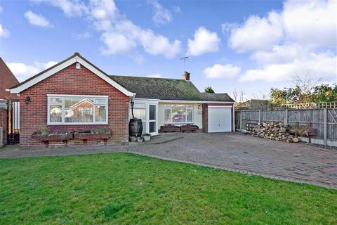 2 bedroom bungalow for sale - Sycamore Close, Herne Bay, Kent