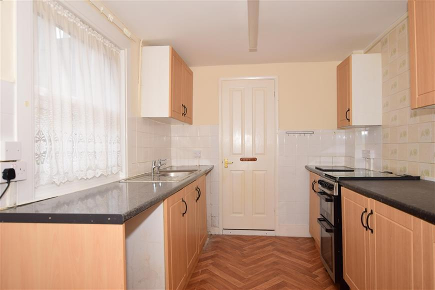 3 Bedrooms Terraced House for sale in South Road, Herne Bay, Kent