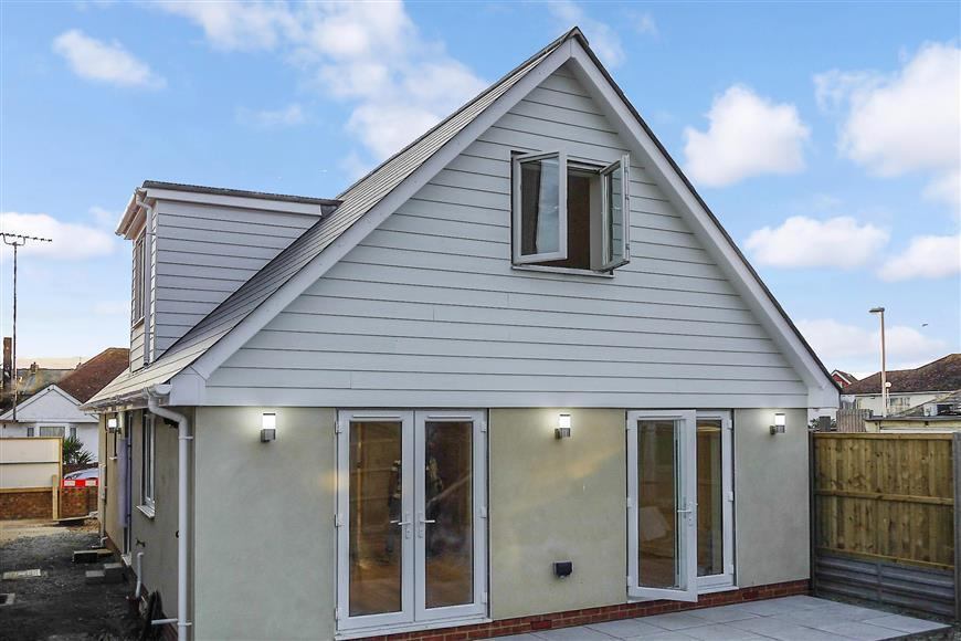 3 Bedrooms Detached House for sale in Fleetwood Avenue, Herne Bay, Kent