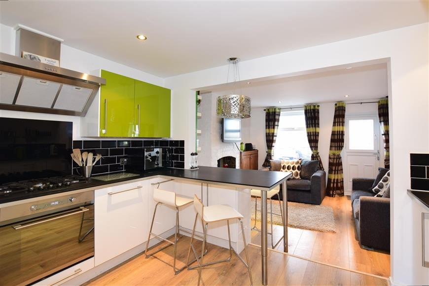 2 Bedrooms Unique Property for sale in The Rocks Road, East Malling, West Malling, Kent