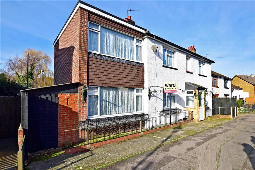 3 Bedrooms Detached House for sale in The Stream, Ditton, Kent