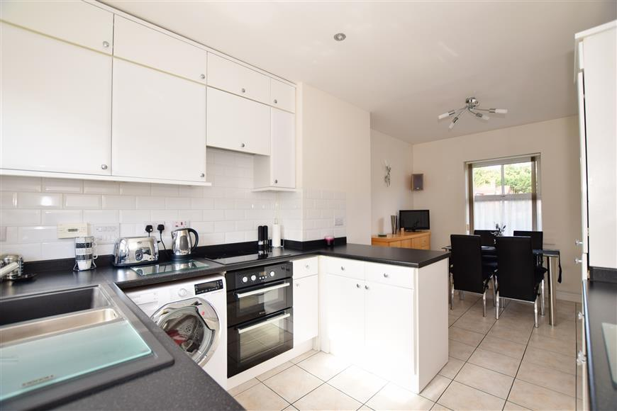 3 Bedrooms Town House for sale in Garner Drive, East Malling, West Malling, Kent