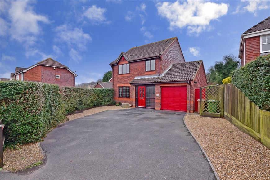 3 Bedrooms Detached House for sale in Dean Street, East Farleigh, Maidstone, Kent