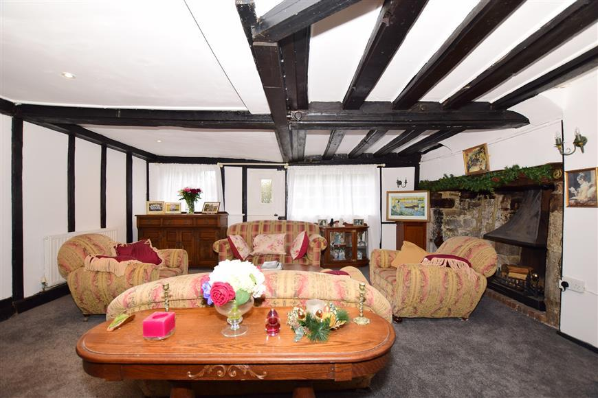 5 Bedrooms Detached House for sale in Dean Street, East Farleigh, Maidstone, Kent