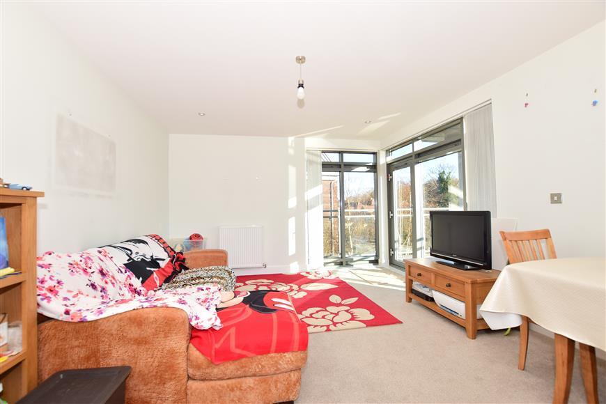 2 Bedrooms Flat for sale in Hart Street, Maidstone, Kent