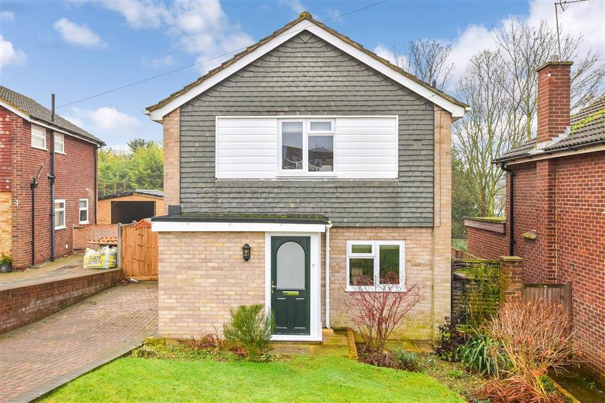 3 Bedrooms Detached House for sale in Istead Rise, Meopham, Kent