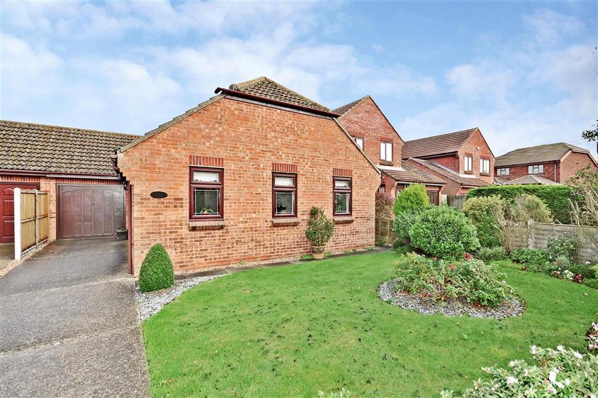 3 Bedrooms Detached Bungalow for sale in Rolfe Lane, New Romney, Kent