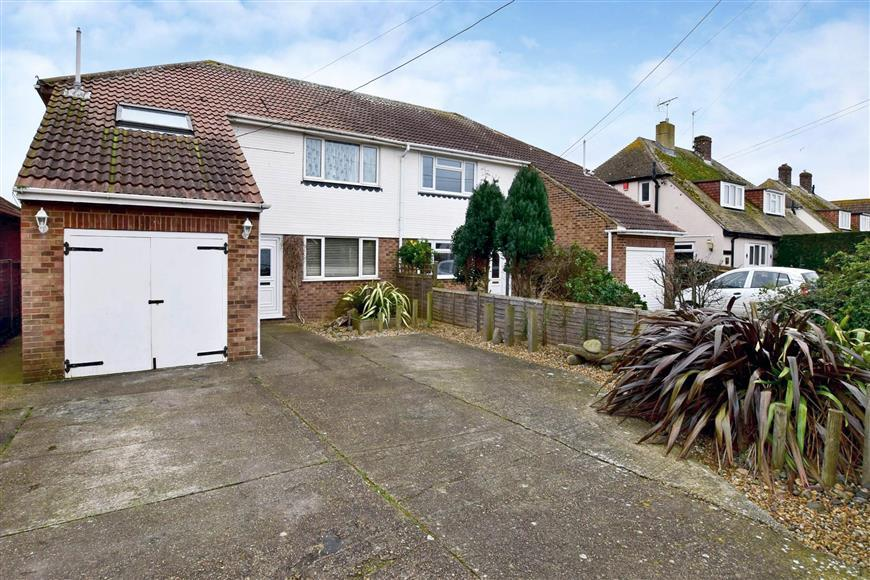 4 Bedrooms Semi Detached House for sale in Victoria Road, Littlestone, Kent