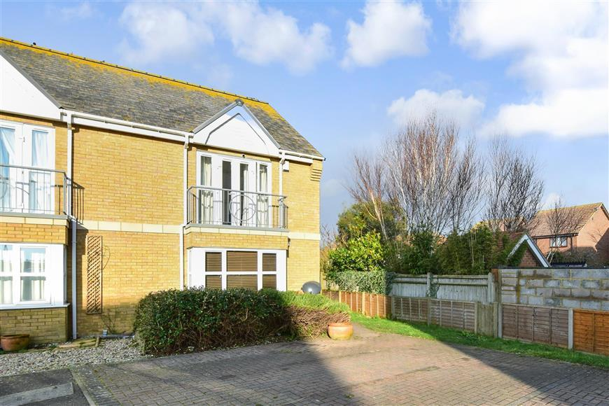4 Bedrooms Semi Detached House for sale in Nelson Mews, Littlestone, New Romney, Kent