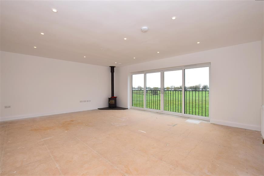 4 Bedrooms Detached House for sale in Prime View, Littlestone, Kent