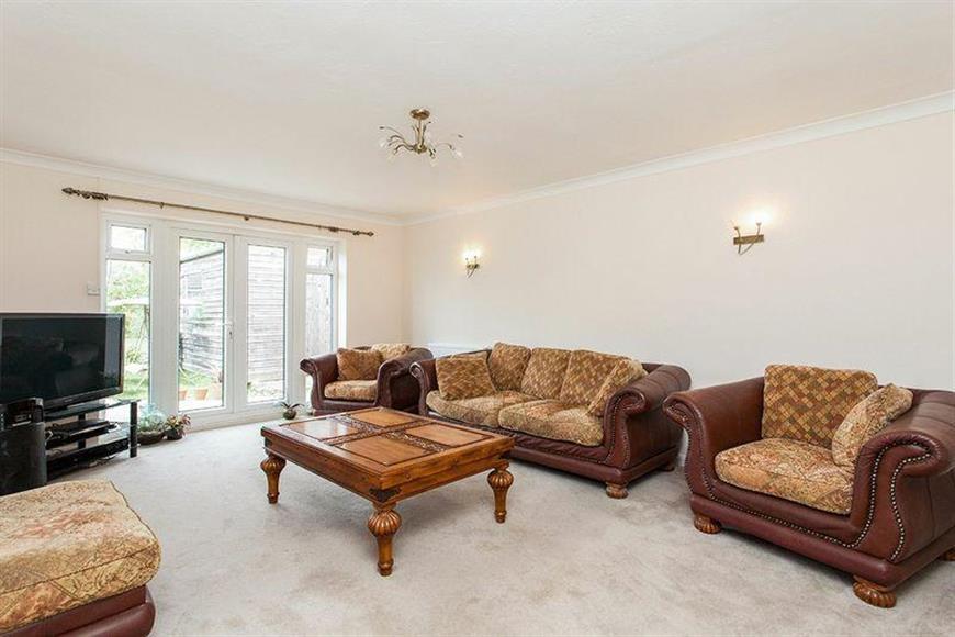 4 Bedrooms Detached Bungalow for sale in Church Road, Paddock Wood, Tonbridge, Kent